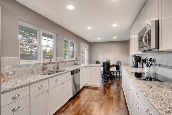 Kitchens the heart of the home choosing the best paint for Choosing kitchen paint colors