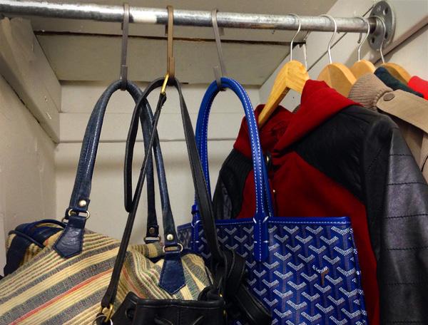 S-hooks used to organize purses