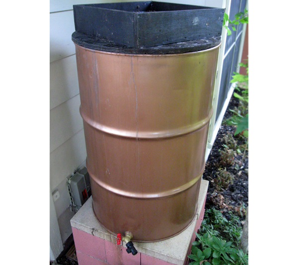 Tin rain barrel
