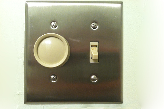 how to repair a light switch replacing light switches houselogic. Black Bedroom Furniture Sets. Home Design Ideas