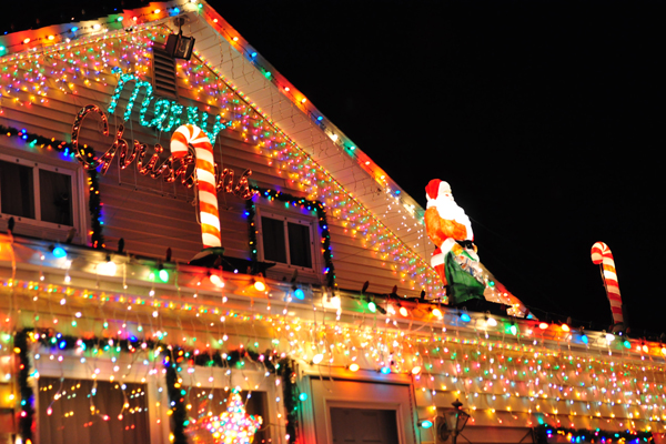 Secrets of a Pro: How to Create a Dazzling Christmas Light Display ...
