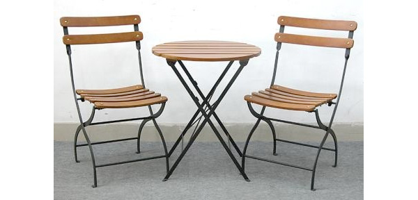 Lowe\'s Bistro Set Recalled Because of Fall Hazard