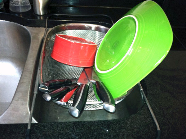 Dish rack strainer