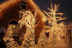 Richard Holdman's wind-powered Christmas lights