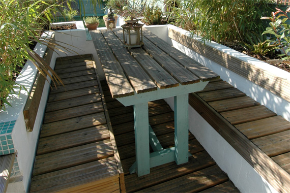 Small Space Deck Design with Built-Ins | Pictures of Decks