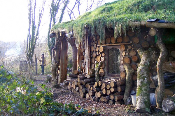 House built with cordwood