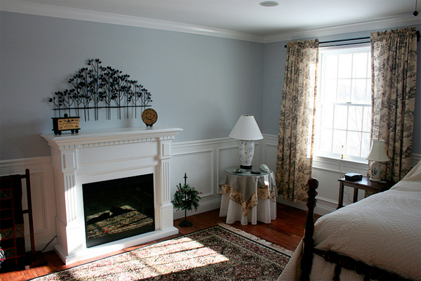 electric fireplaces can have the look and feel of a real fireplace
