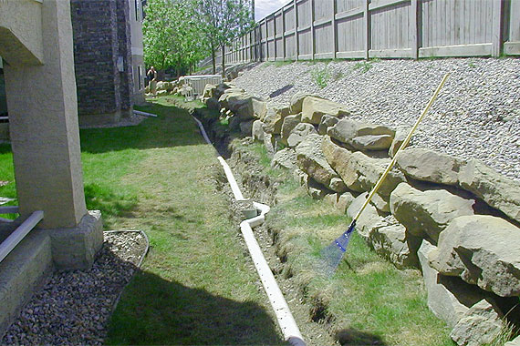 French drain design curtain drain designs french drains for Yard drainage slope