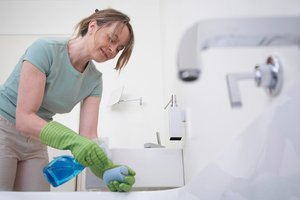 cheap eco friendly bathroom cleaning green your bathroom