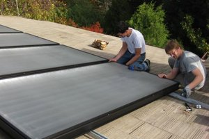 Hot Water From Thermal Solar Heater Home Solar Heating
