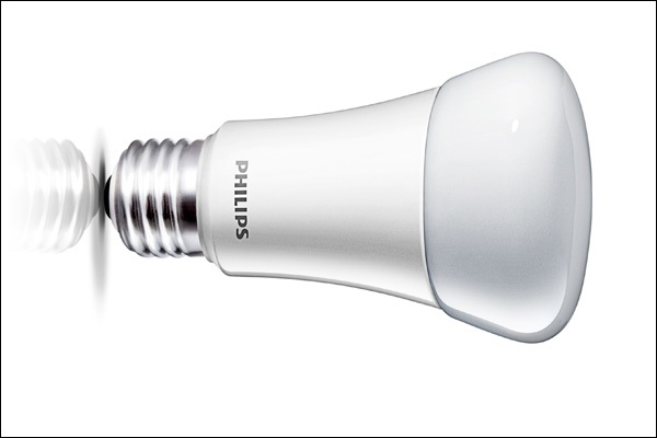 Phillips A19 LED light bulb