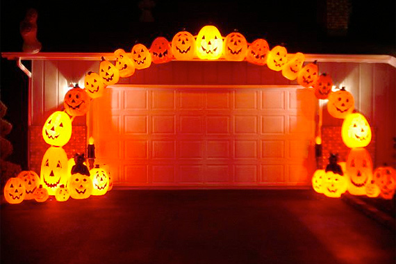arch friendlies - Halloween Light Ideas