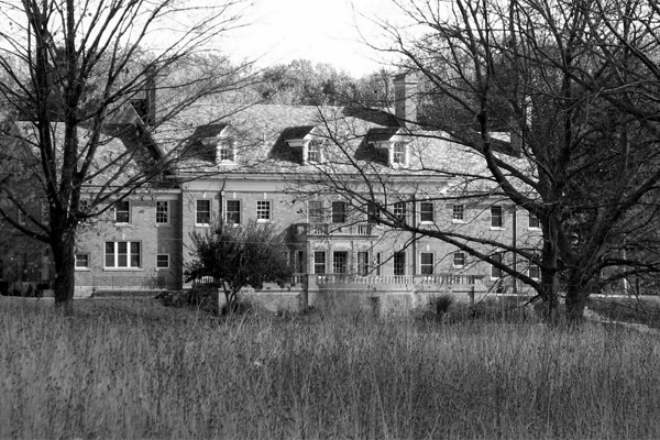 The spooky Felt Mansion in Michigan