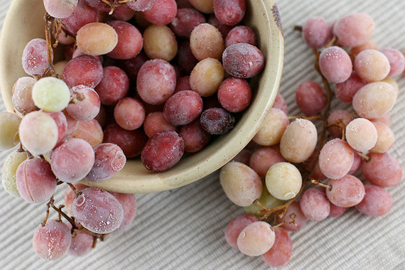 Add frozen grapes to a glass of white wine