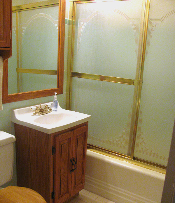 Preston's bathroom before renovation